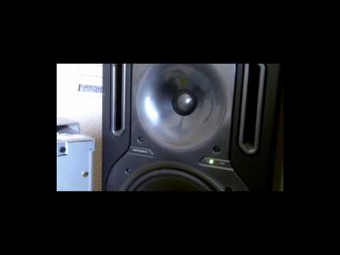 [VIDEO] The Square Wave Ep.1: KRK ERGO