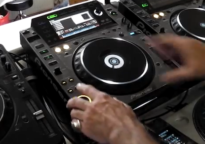 DJ Tutorial. How to Mix 2 tunes from same CD